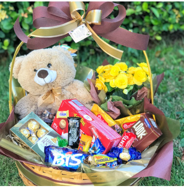 Cesta Chocolates e Urso