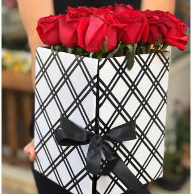 Surpresa de rosas com Ferrero Rocher - Ref. F499
